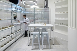 The-Fragrance-Lab-at-Selfridges_dezeen_2